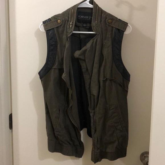 Forever 21 Jackets & Blazers - Forever 21 Utility Vest
